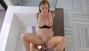 Wicked honey is delighting stud with her mouth
